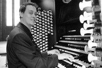 daniel_bishop_organist