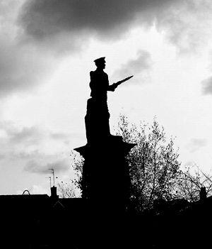 cenotaph_prescot_war_memorial